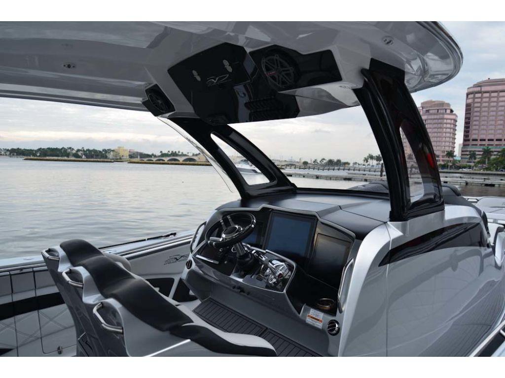 Overstock Boats - MTI V-42 CENTER CONSOLE